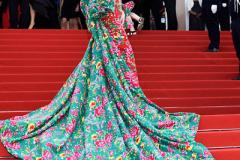 【时尚先锋】惊艳戛纳的花袄出自他手  蒙古族设计师胡社光
