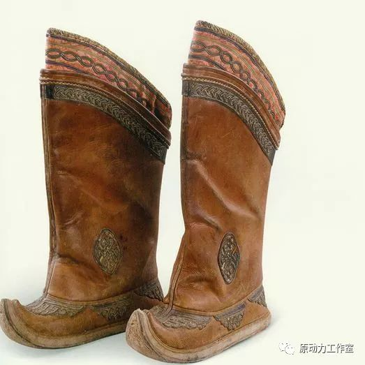 模型中级篇01—蒙古长靴 第8张