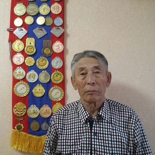 【今日头条】厉害了!85岁蒙古老人400米夺冠 刷新了世界纪录! 第5张