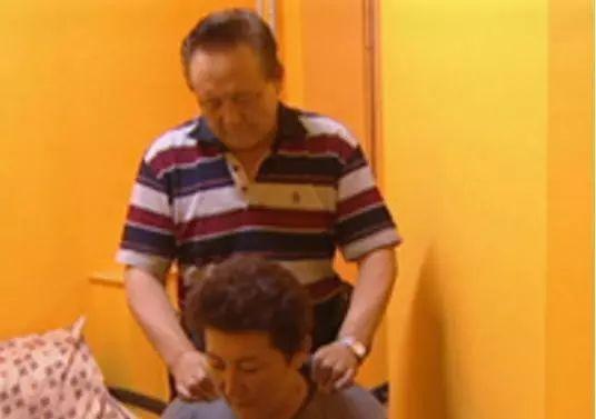 【今日头条】72岁的德德玛近照曝光!两朵金花能歌善舞 成了人生赢家~ 第9张