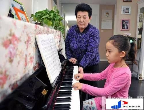 【今日头条】72岁的德德玛近照曝光!两朵金花能歌善舞 成了人生赢家~ 第18张