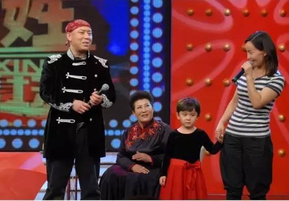 【今日头条】72岁的德德玛近照曝光!两朵金花能歌善舞 成了人生赢家~ 第25张
