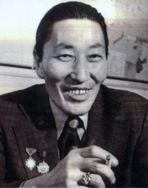 20世纪蒙古国启蒙思想家和大作家,值得收藏 第12张