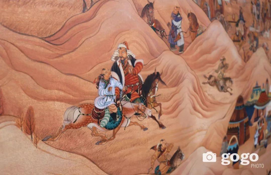 14米长的成吉思汗绘画作品亮相蒙古国乌兰巴托 第1张