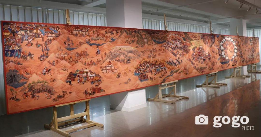 14米长的成吉思汗绘画作品亮相蒙古国乌兰巴托 第2张