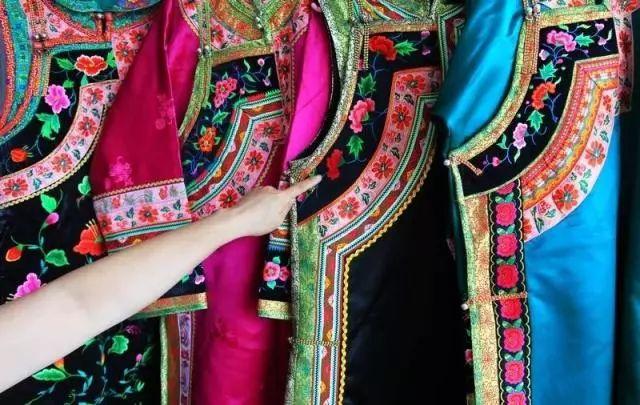 内蒙古民间美术历史悠久,丰富多彩 第12张