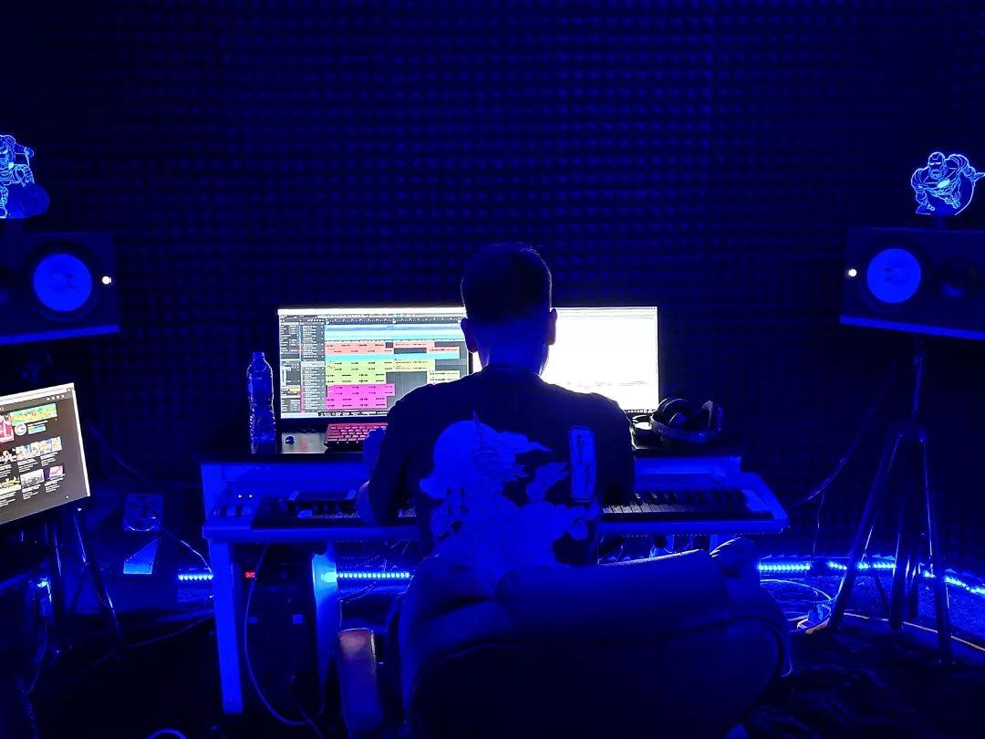 Alagui 制作全新专辑《Made in Hohhot Vol.1》上线! 第2张