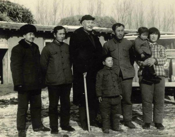 【今日头条】培养11名硕士研究生 8名博士研究生的蒙古族教授 第2张