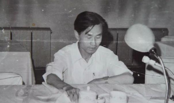【今日头条】培养11名硕士研究生 8名博士研究生的蒙古族教授 第3张