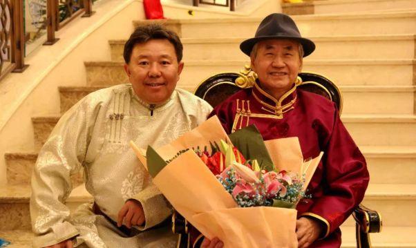 【今日头条】培养11名硕士研究生 8名博士研究生的蒙古族教授 第9张