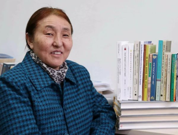【今日头条】培养11名硕士研究生 8名博士研究生的蒙古族教授 第13张