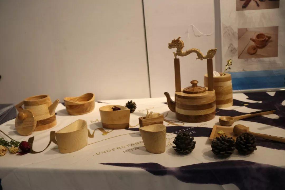 内蒙古大学创业学院与蒙古国高校联合举办设计艺术展 第10张