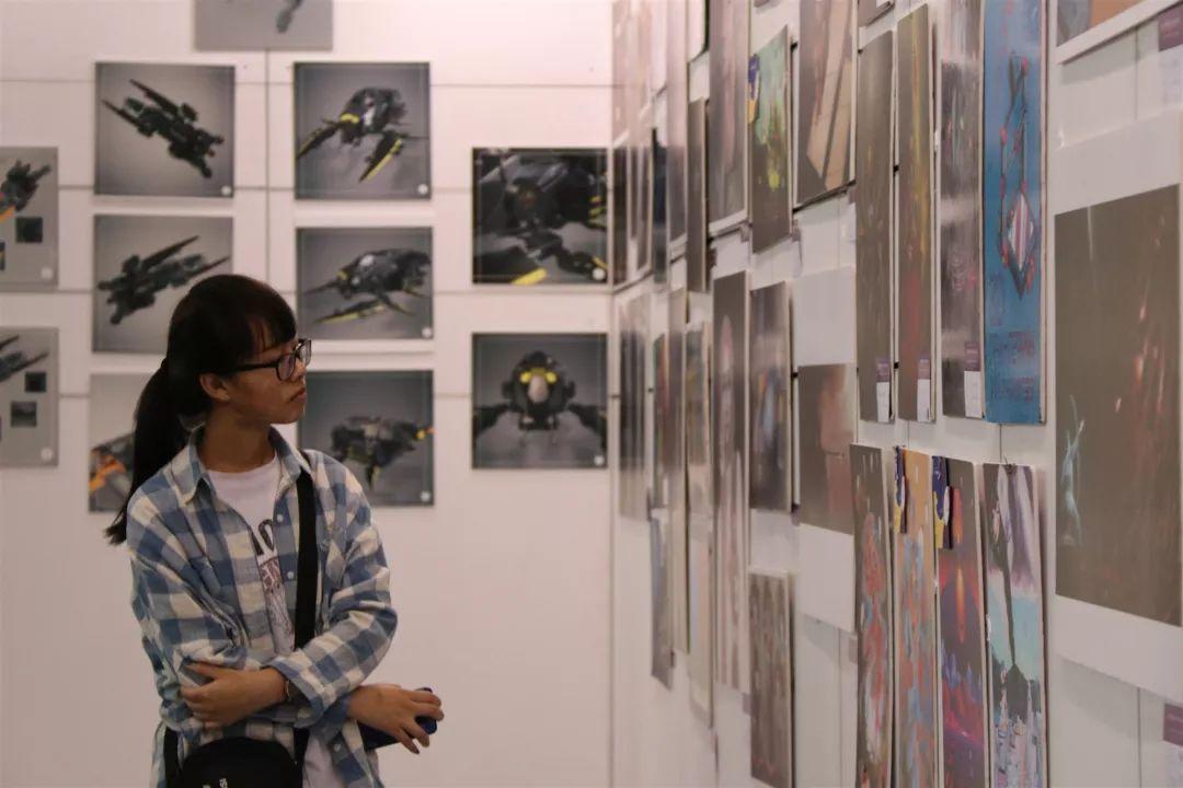 内蒙古大学创业学院与蒙古国高校联合举办设计艺术展 第16张
