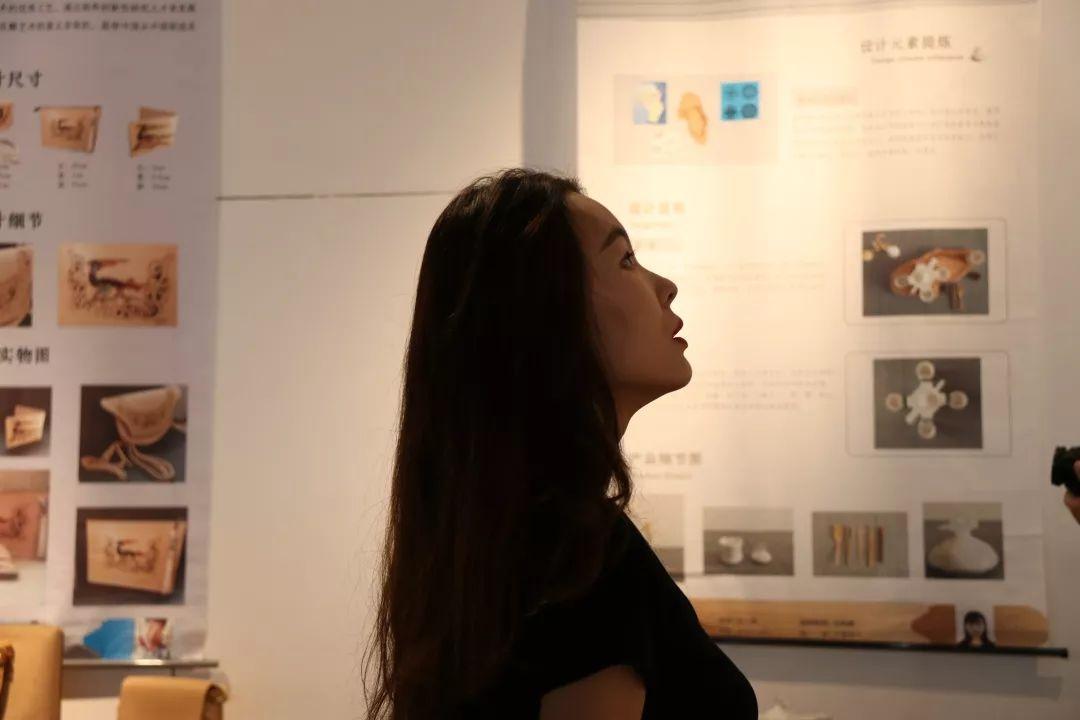 内蒙古大学创业学院与蒙古国高校联合举办设计艺术展 第15张