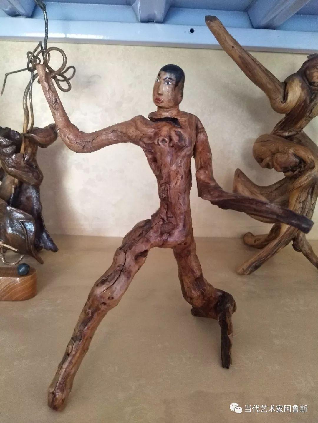 锡林郭勒草原民间艺人阿拉腾敖都的根雕艺术作品欣赏 第9张