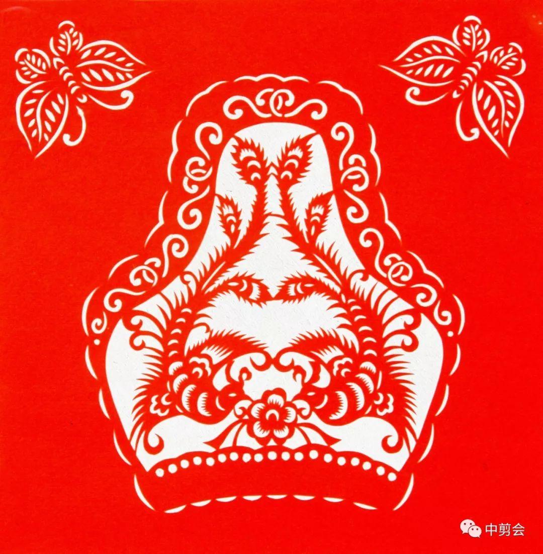 游唱游剪——记荣凤敏与她剪纸艺术中的草原风韵 第31张