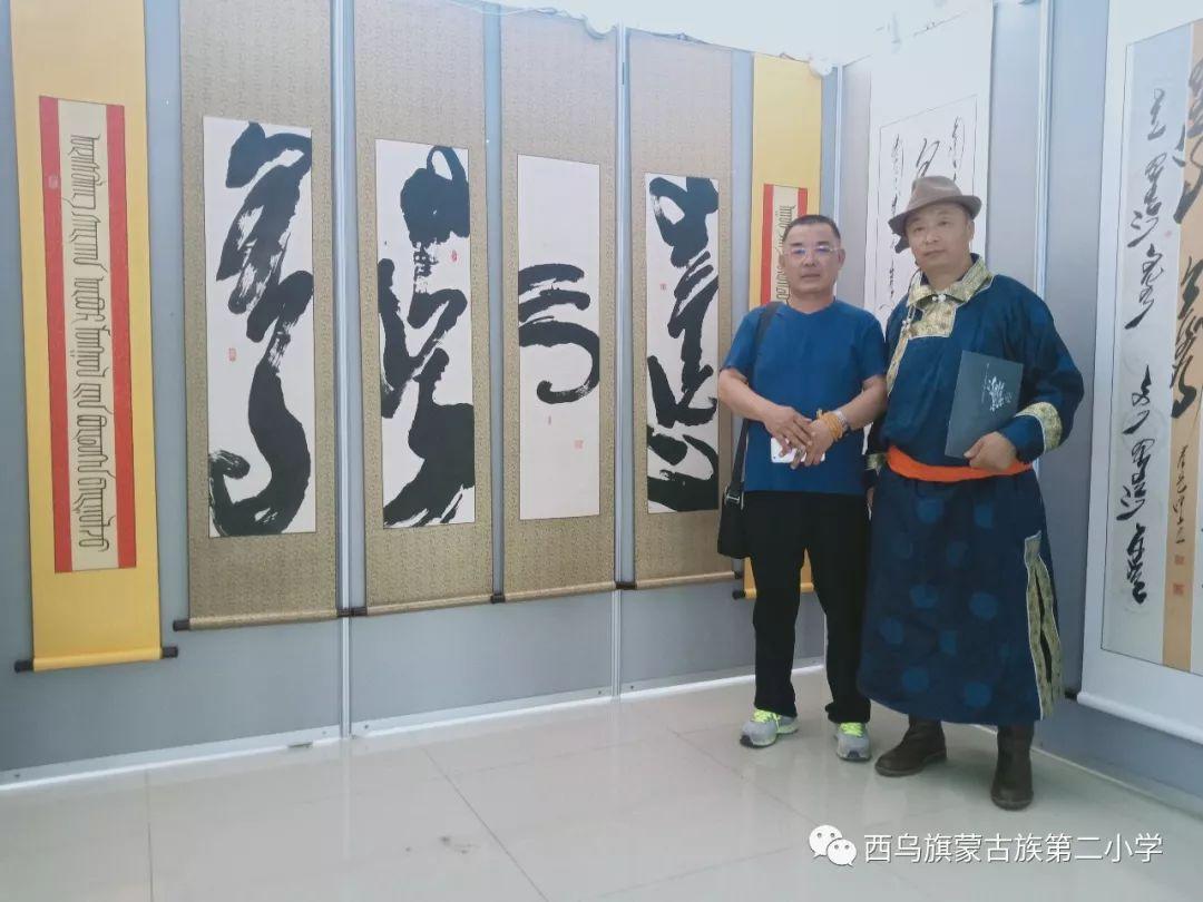 【乌珠穆沁】— 宝音陶格陶个人蒙古文书法展圆满结束 第32张