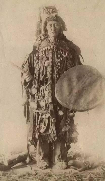 有关蒙古萨满 Boo的珍贵图像,实属罕见 第7张