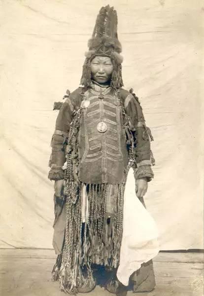 有关蒙古萨满 Boo的珍贵图像,实属罕见 第9张