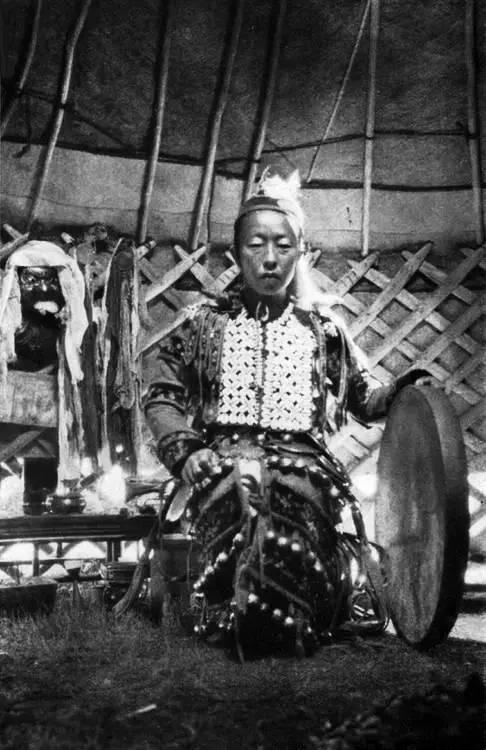 有关蒙古萨满 Boo的珍贵图像,实属罕见 第25张