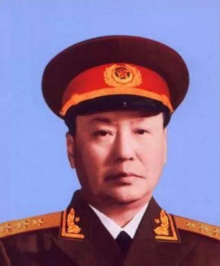 """乌兰夫:""""蒙古人的大汗"""",唯一打开过成吉思汗棺木的人 第2张"""