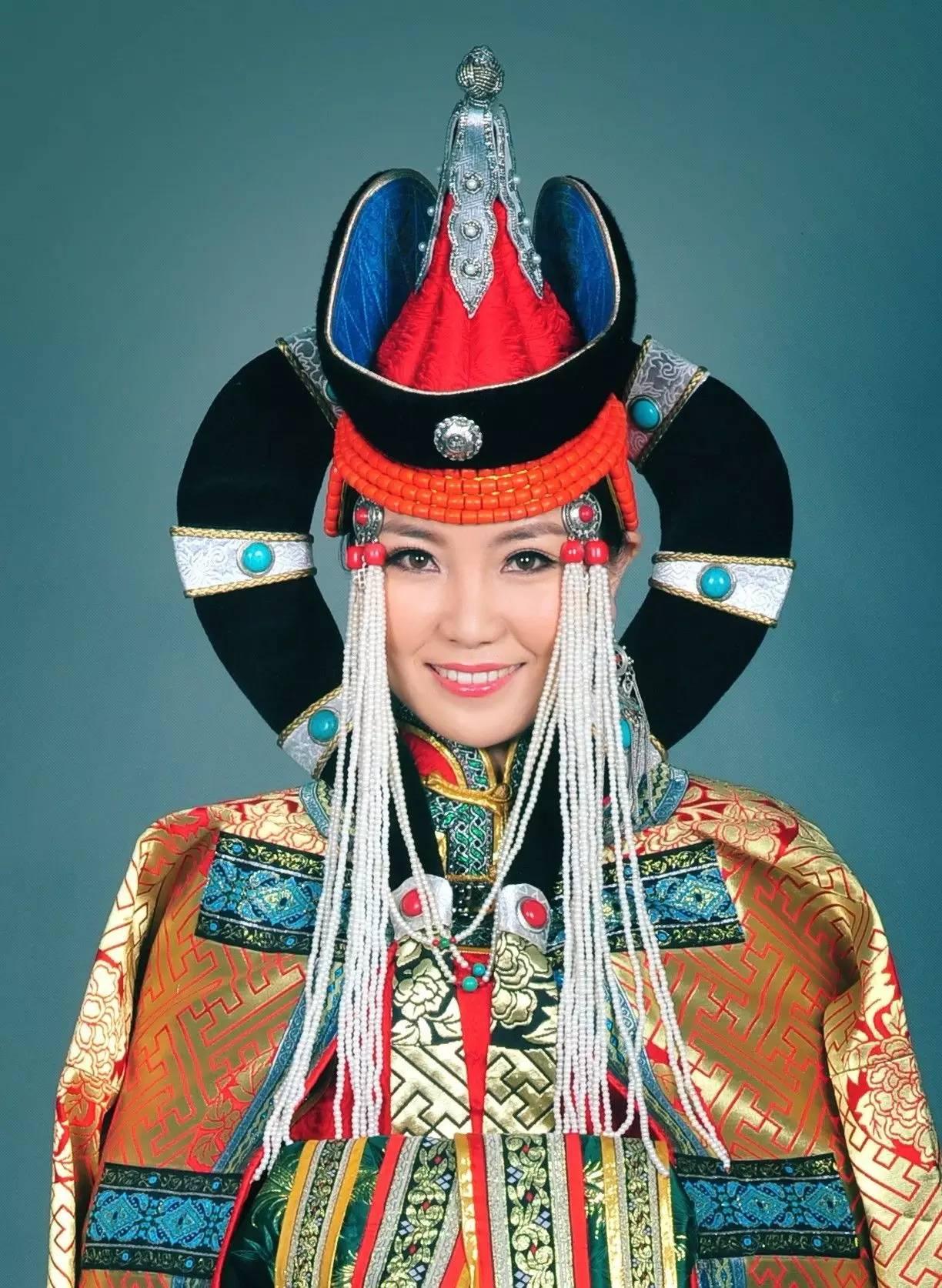 【阿努音乐】朝鲁孟《心中的故乡》2016年蒙古语春晚 第1张