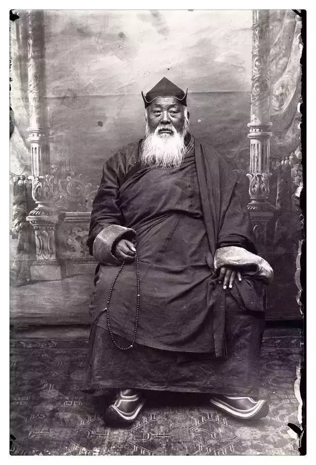 100年前的蒙古贵族老照片 第10张
