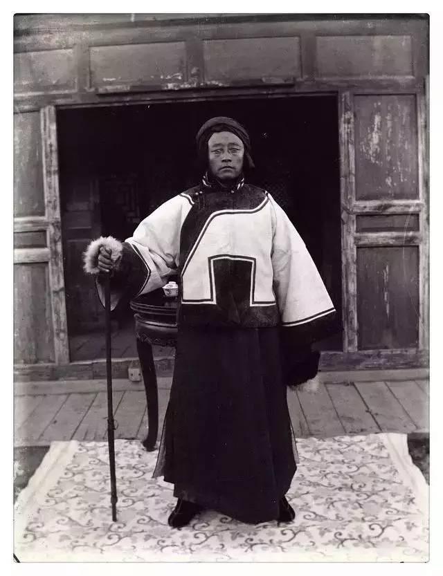 100年前的蒙古贵族老照片 第14张