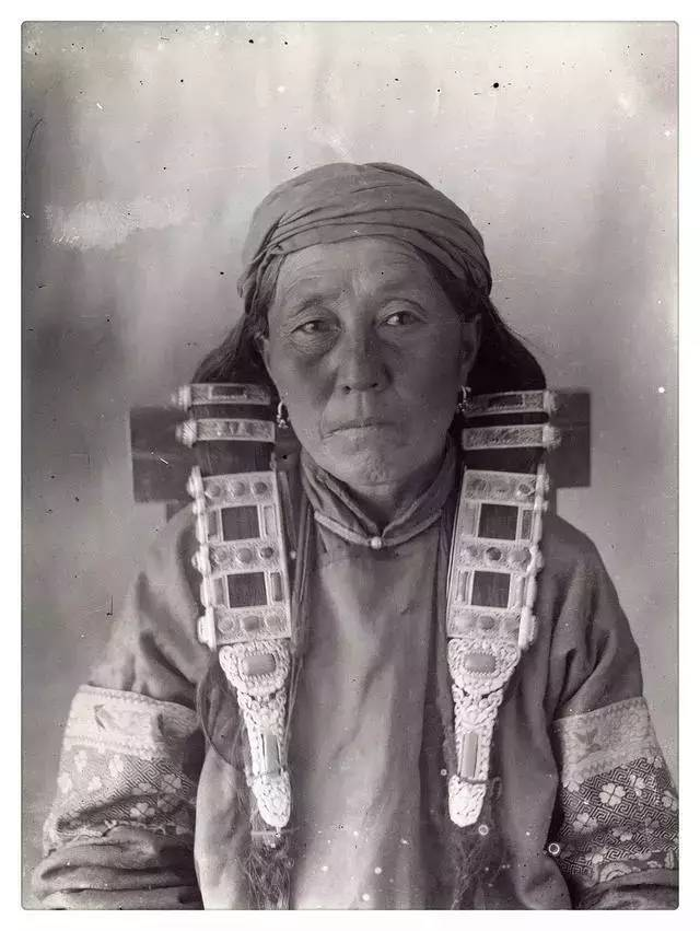 100年前的蒙古贵族老照片 第20张