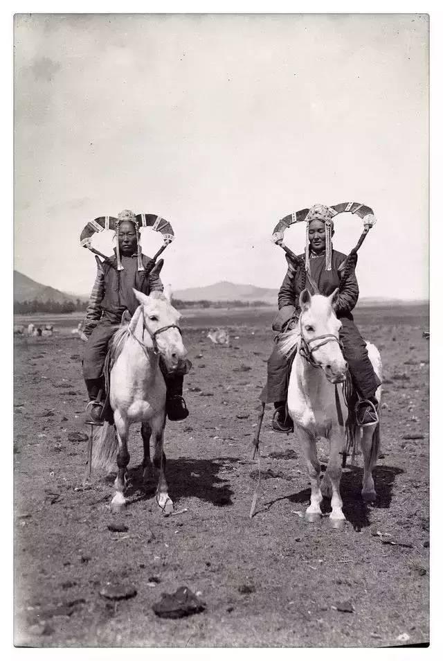 100年前的蒙古贵族老照片 第16张