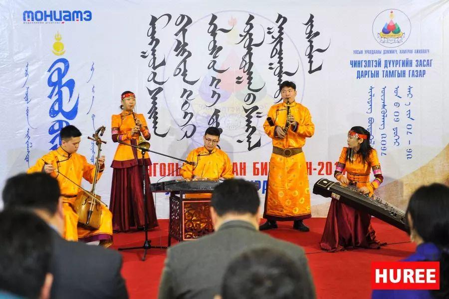 【蒙古新闻】蒙古国最佳旧蒙文书法家评选出炉 第3张
