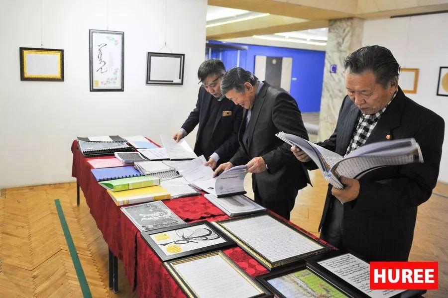 【蒙古新闻】蒙古国最佳旧蒙文书法家评选出炉 第5张