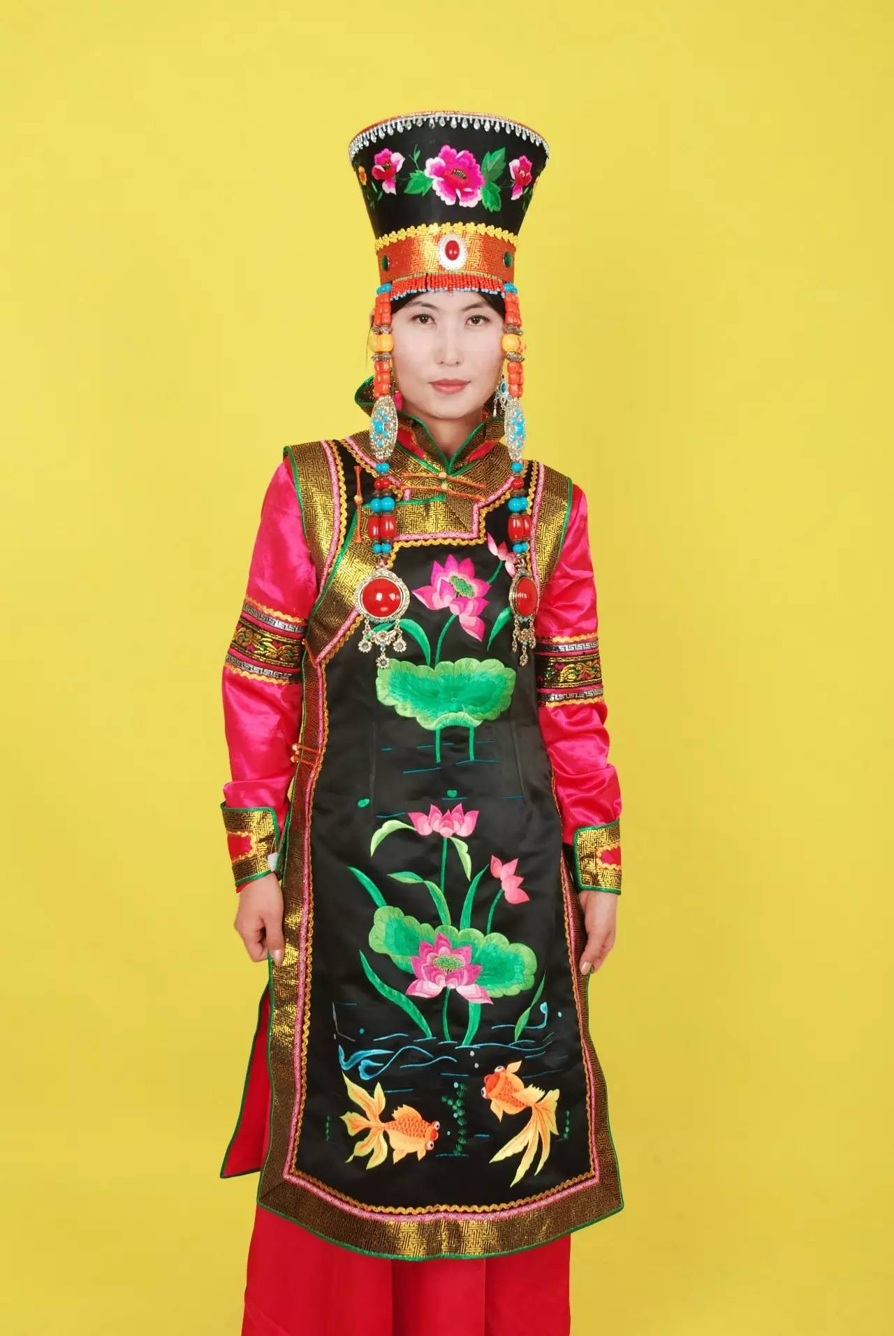 蒙古族刺绣非遗传承人——万花 第11张