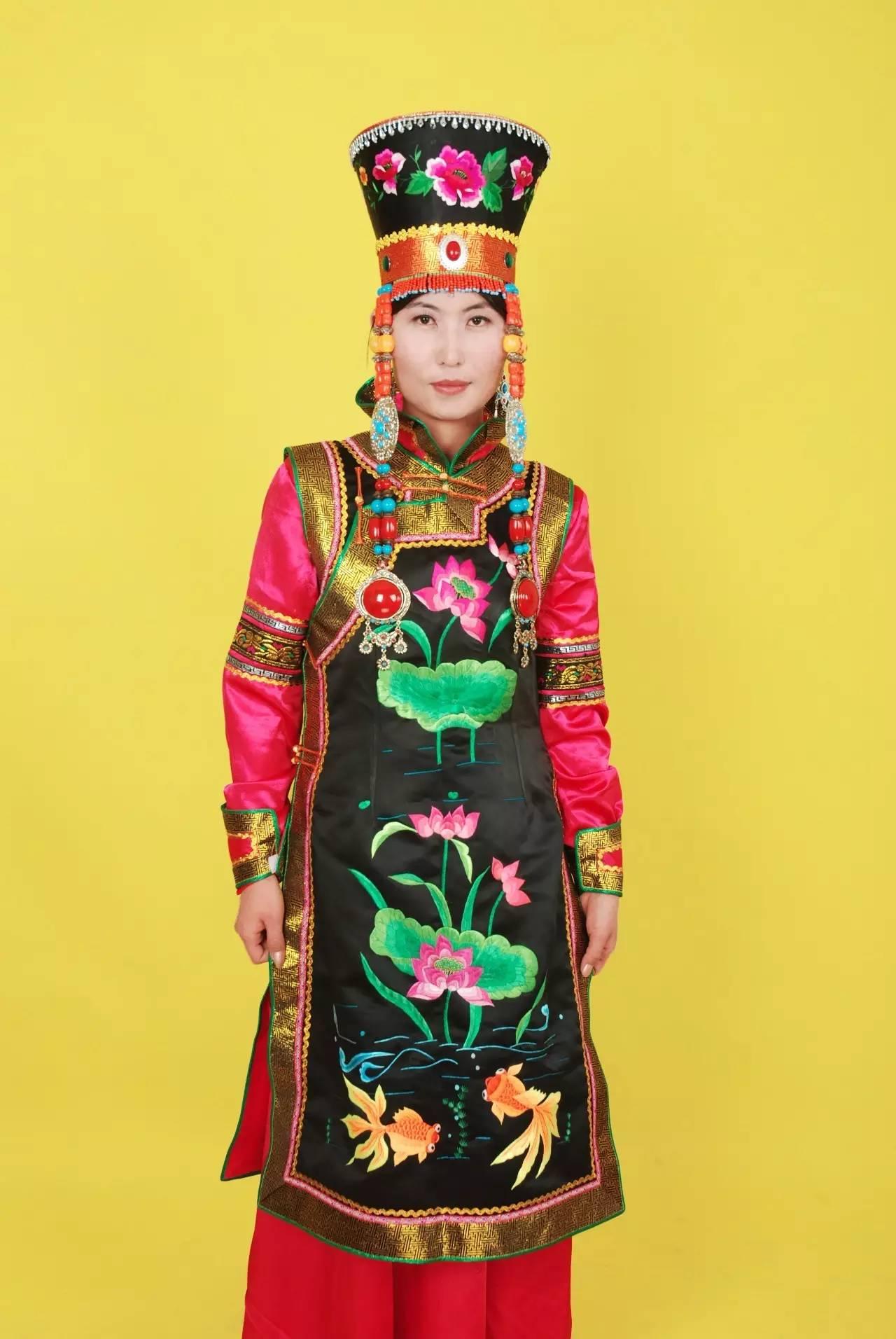 蒙古族刺绣非遗传承人——万花 第17张