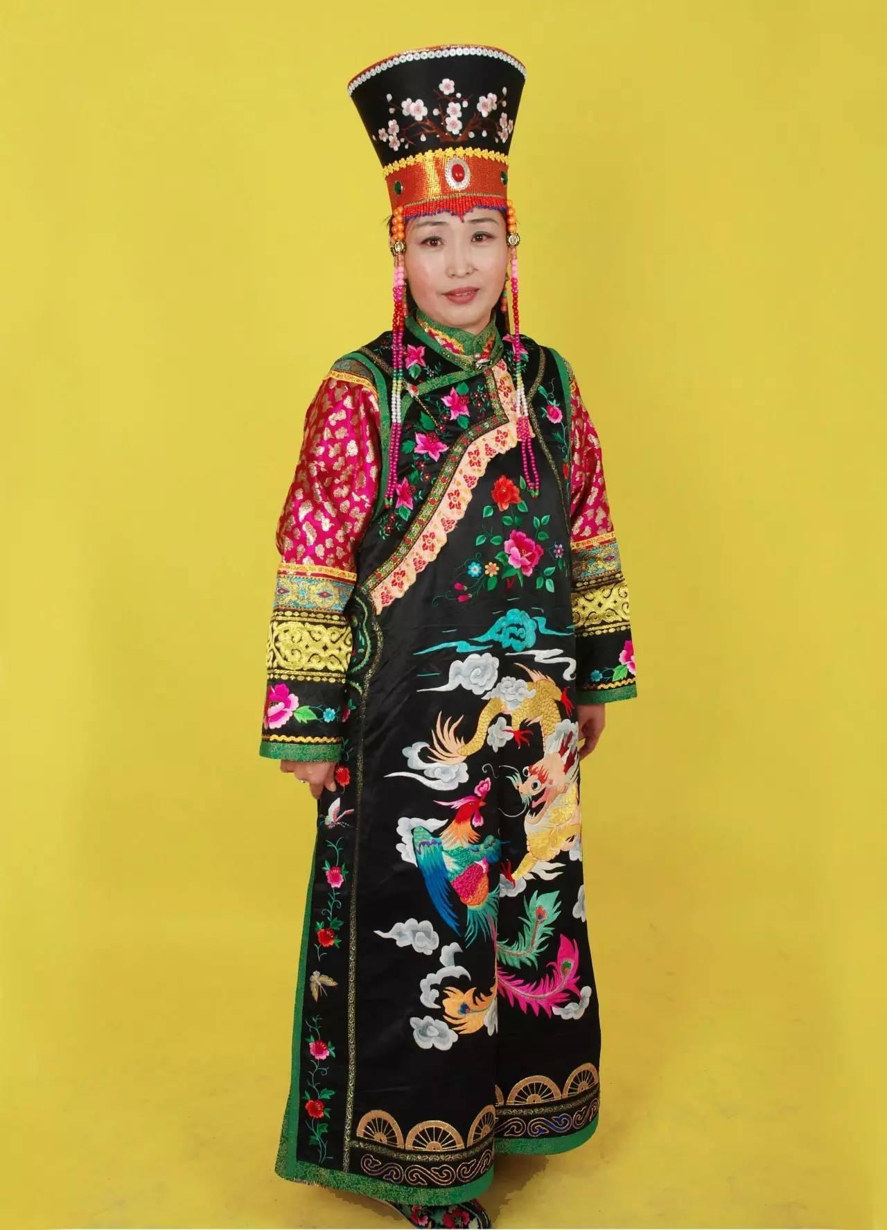 蒙古族刺绣非遗传承人——万花 第32张