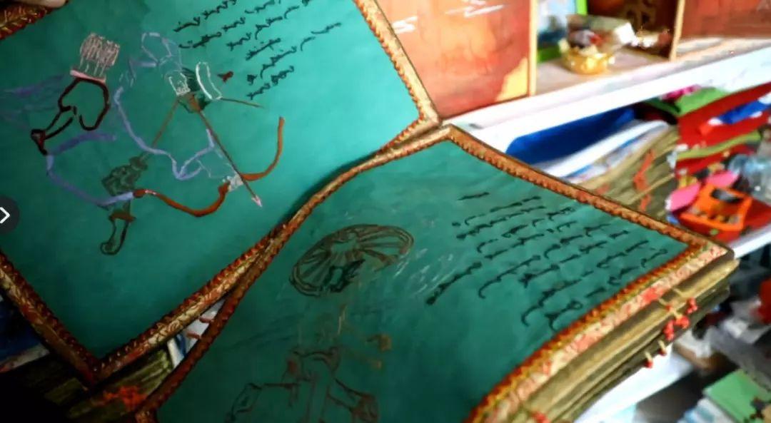 她用五年完成了刺绣版《蒙古秘史》,自治区主席都接见了︱蒙古家乡 第10张 她用五年完成了刺绣版《蒙古秘史》,自治区主席都接见了︱蒙古家乡 蒙古工艺