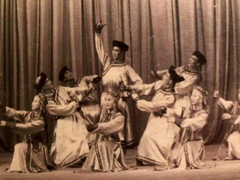 内蒙古舞蹈名家系列之——查干朝鲁 第4张 内蒙古舞蹈名家系列之——查干朝鲁 蒙古文化
