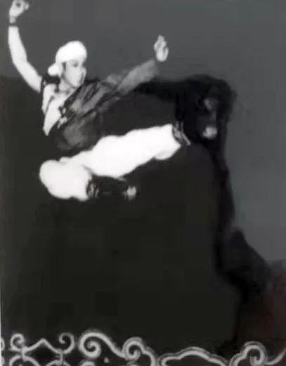 内蒙古舞蹈名家系列之——查干朝鲁 第8张 内蒙古舞蹈名家系列之——查干朝鲁 蒙古文化