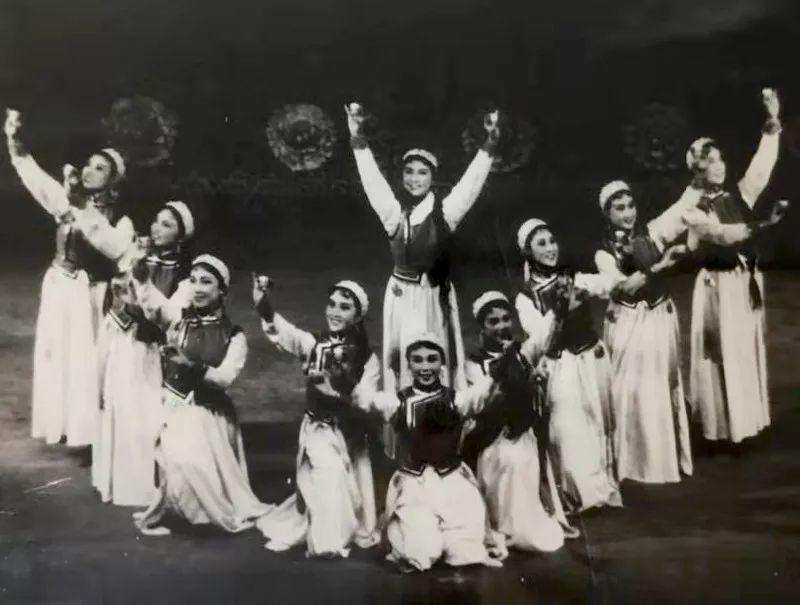 内蒙古舞蹈名家系列之——查干朝鲁 第5张 内蒙古舞蹈名家系列之——查干朝鲁 蒙古文化