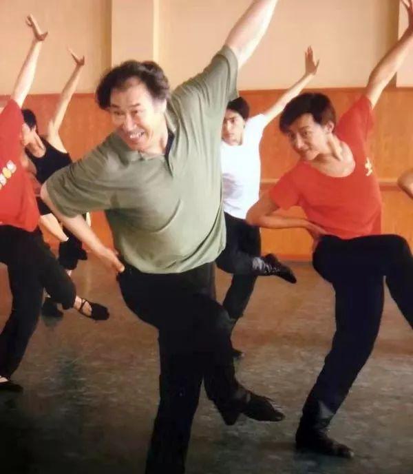内蒙古舞蹈名家系列之——查干朝鲁 第23张 内蒙古舞蹈名家系列之——查干朝鲁 蒙古文化