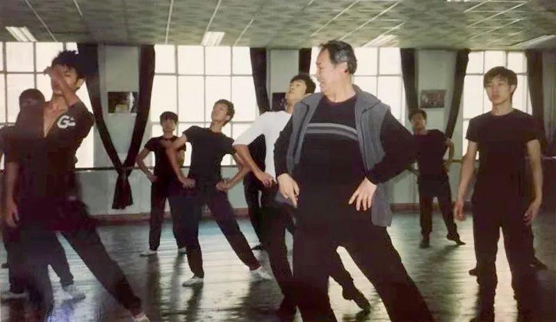 内蒙古舞蹈名家系列之——查干朝鲁 第25张 内蒙古舞蹈名家系列之——查干朝鲁 蒙古文化