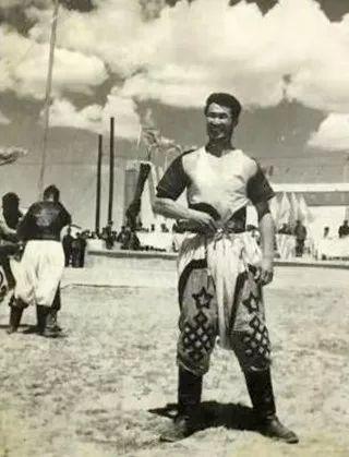 内蒙古舞蹈名家系列之——查干朝鲁 第33张 内蒙古舞蹈名家系列之——查干朝鲁 蒙古文化