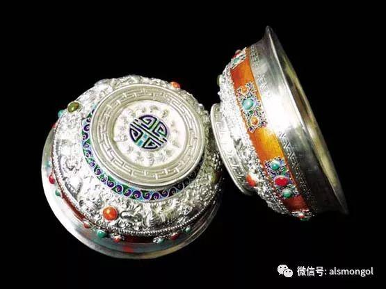 蒙古人为何随身带银碗?原因在这里... 第1张 蒙古人为何随身带银碗?原因在这里... 蒙古文库