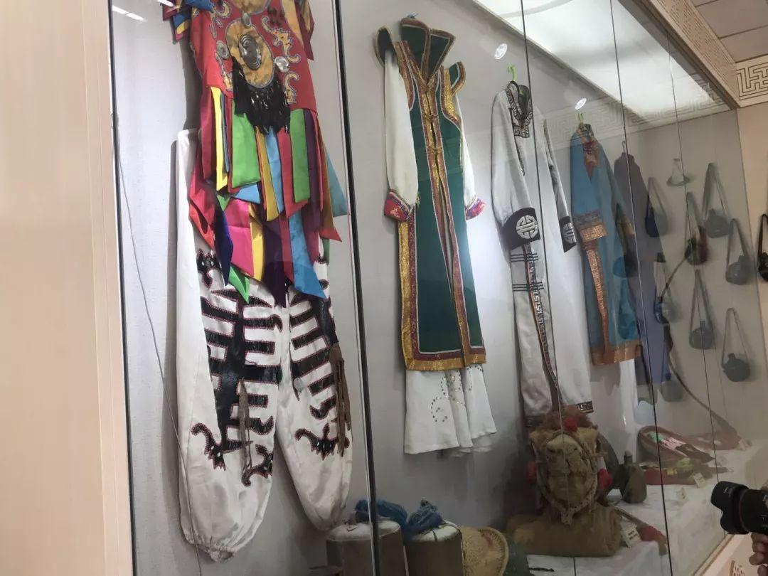乌兰牧骑这些老物件 撑起了几代人的回忆?︱蒙古家乡 第34张 乌兰牧骑这些老物件 撑起了几代人的回忆?︱蒙古家乡 蒙古工艺