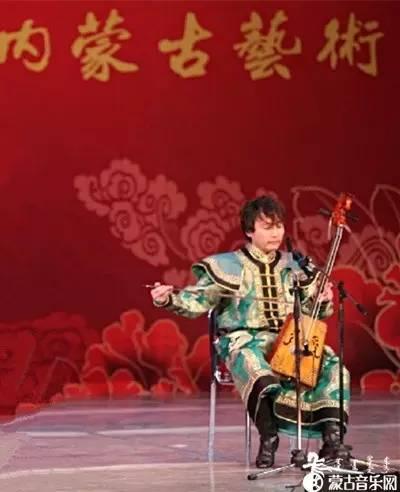 蒙古族青年马头琴演奏家嘎拉新作《雅韵》、《万马奔腾》 第2张