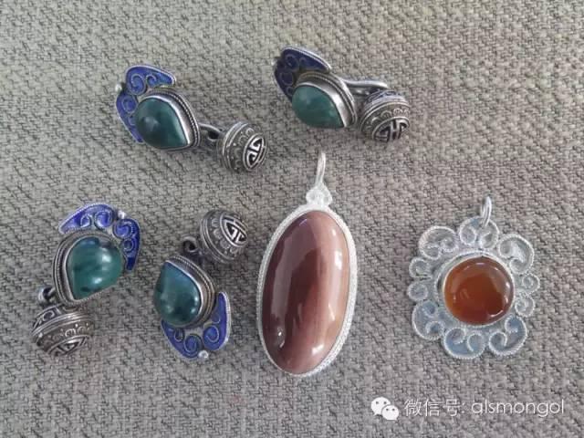 【蒙古文】老银匠贡布苏荣的祖传手艺 第14张