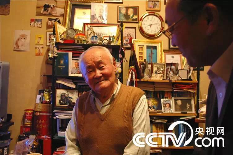 【CNTV采访】蒙古国作家巴 · 巴嘎苏图(蒙古文) 第9张