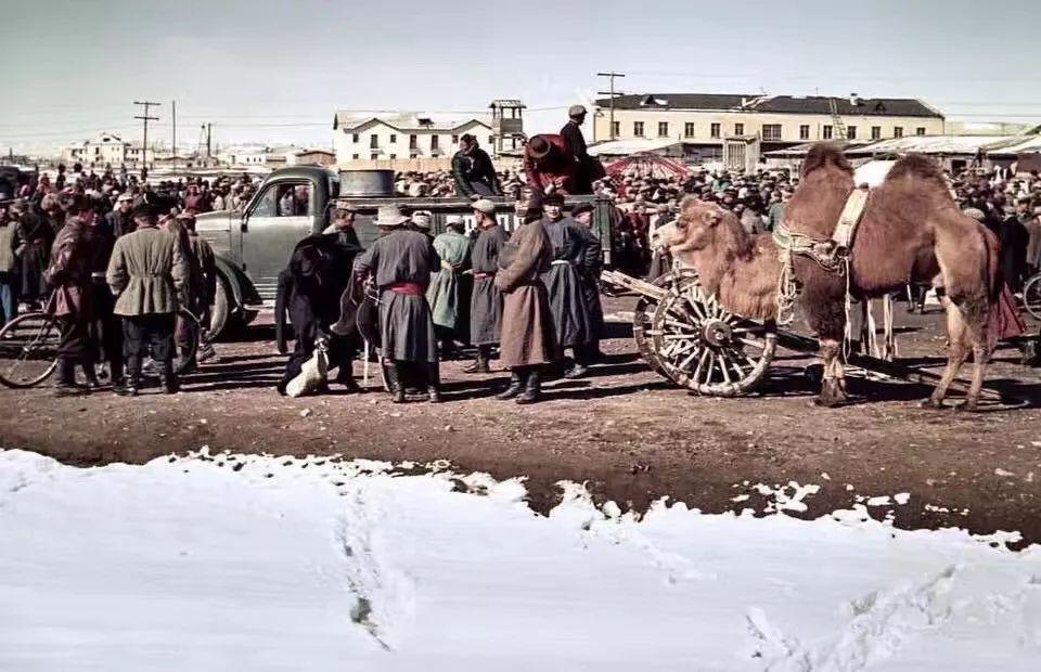 上世纪五十年代的蒙古街头,如今看来满满复古风! 第1张