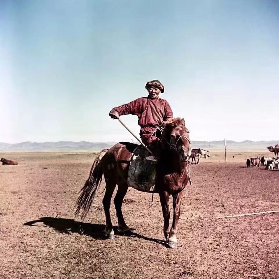 上世纪五十年代的蒙古街头,如今看来满满复古风! 第3张