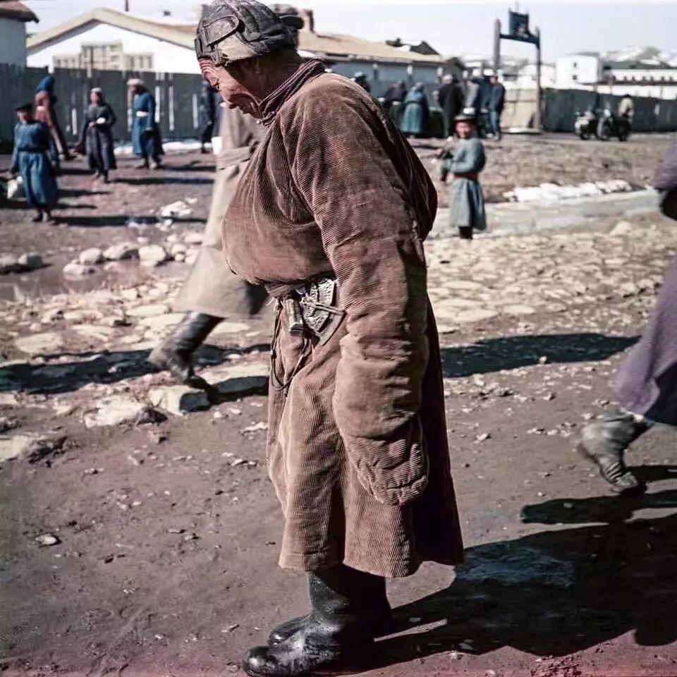 上世纪五十年代的蒙古街头,如今看来满满复古风! 第9张